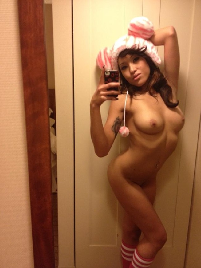 Hot women in the mirror nude have
