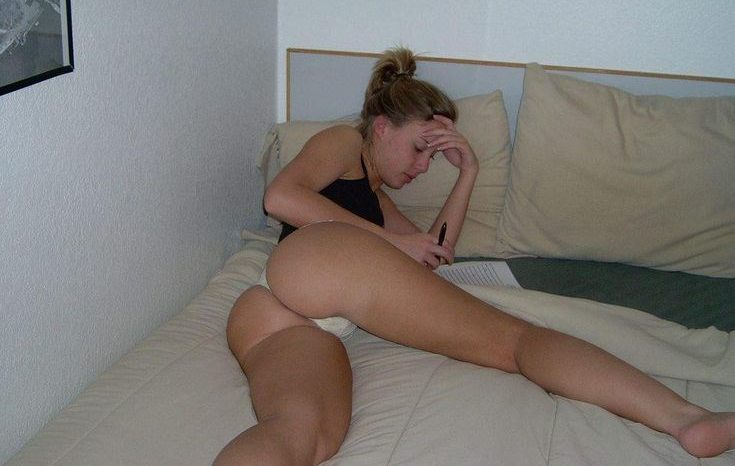 scarlett-johansson-young-leaked-photo-epic-booty