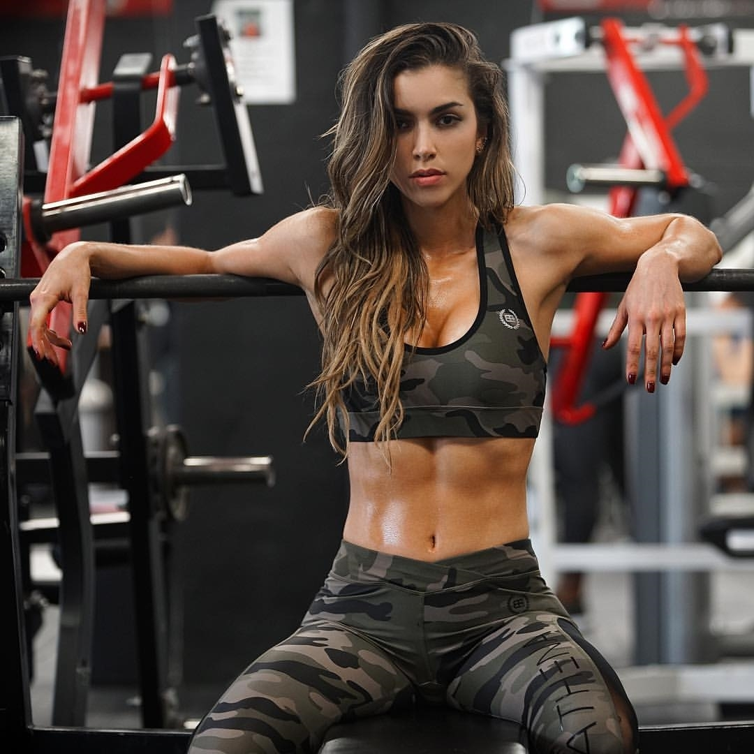Anllela Sagra Colombian fitness babe in camo hot photos 2017 5