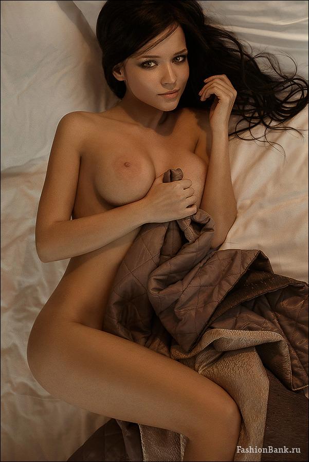 Petrova naked angelina Angelina Jolie