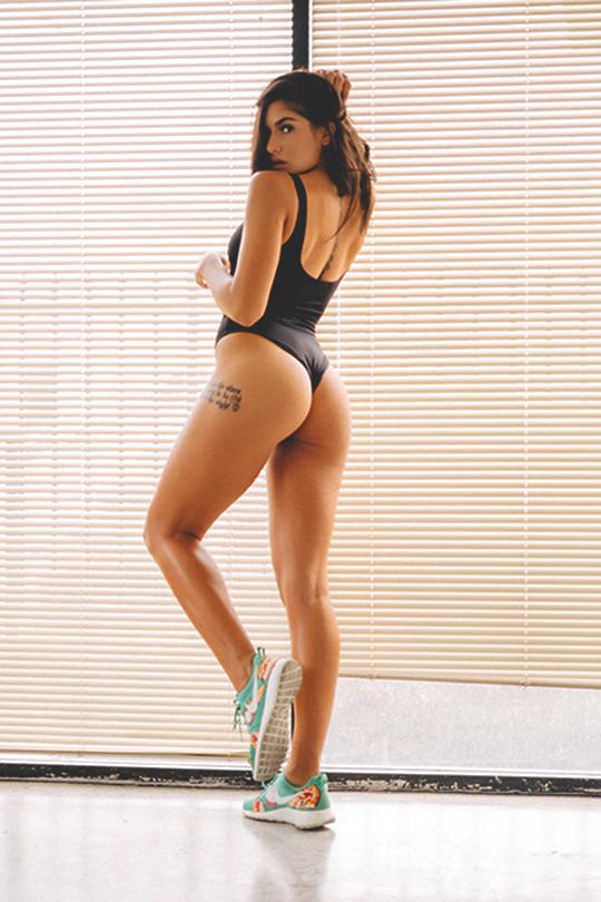 Nikki Howard Topless Amazing  Hello Kisses-2729