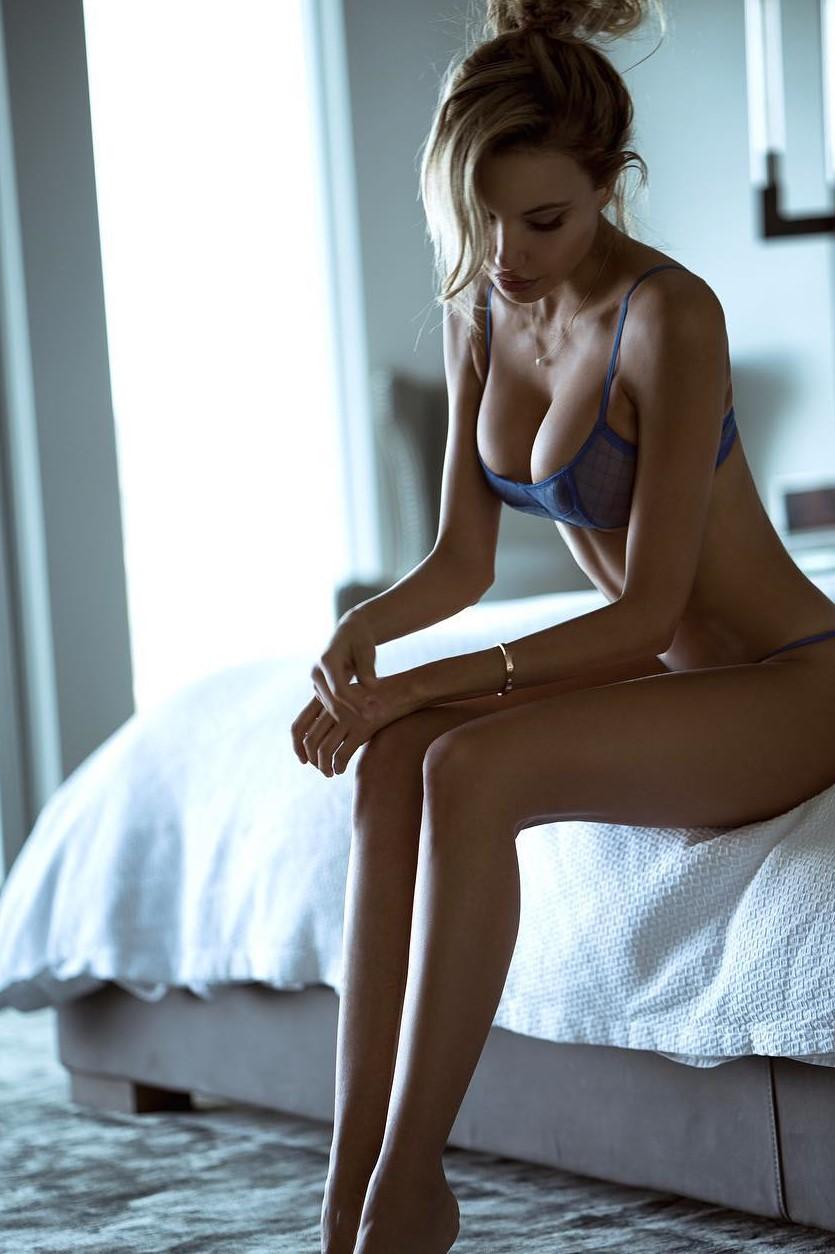 Elena Belle Nude