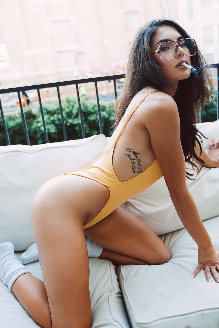 Sexy Nude Nikki Howard X Marilyn Hue  Hello Kisses-6218