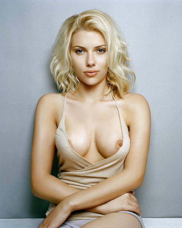 scarlett-johansson-amazing-boobs-nip-slip